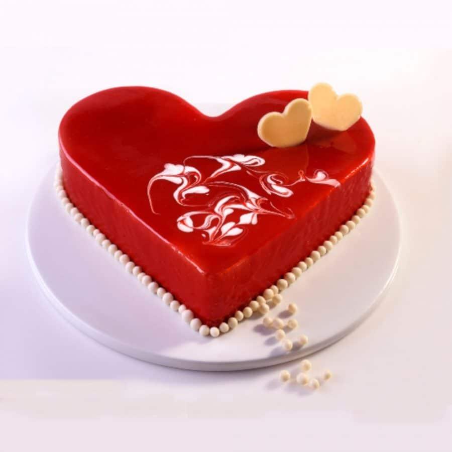 הזמנת עוגות חגיגה בלב